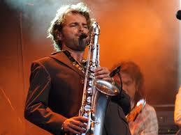 Saxotones Groove Mission boek je voordelig bij burolivemuziek.nl