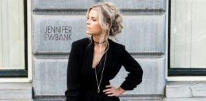 Jennifer Ewbank boek je bij Burolivemuziek.nl