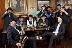 Oerend Hard (Normaal Tribute) Burolivemuziek.nl